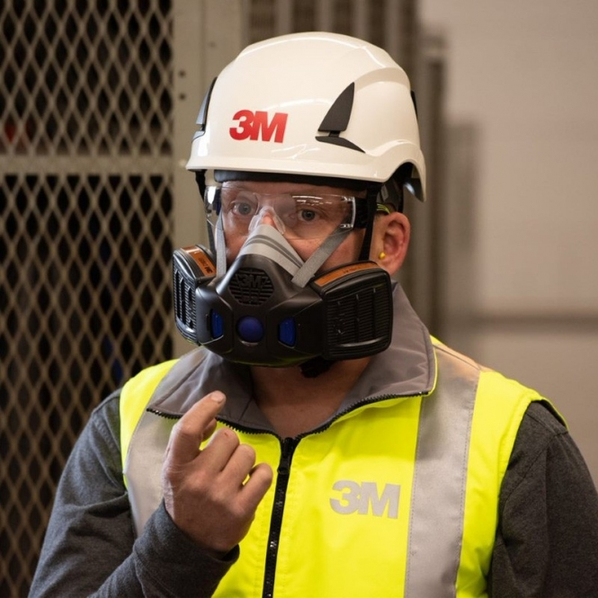 3M Secure Click™ series respirators